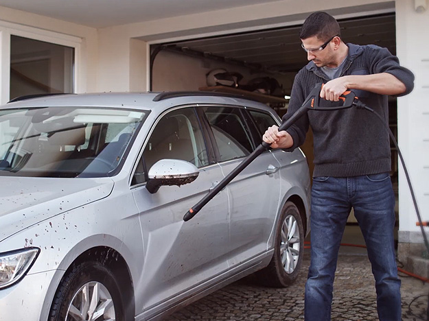 Como limpar veículos com lavadora de alta pressão