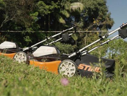 Como proteger solo e gramado com cortador de grama a bateria